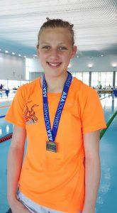 emma-nettleton-gold-400m-fs-sw-regionals-may16